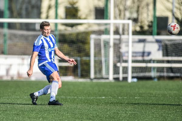 Żaden z testowanych przez Bałtyk zawodników nie zachwycił w sparingu z Wdą. Dwa gole strzelił za to obrońca Przemysław Kostuch (na zdjęciu).