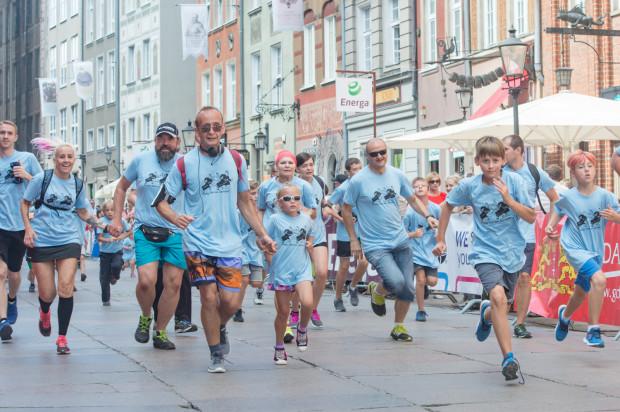 """Bieg św. Dominika co roku odbywa się w """"sercu"""" Gdańska, na historycznych ulicach miasta. Udział w prologu na dystansie 1200 metrów jest bezpłatny."""