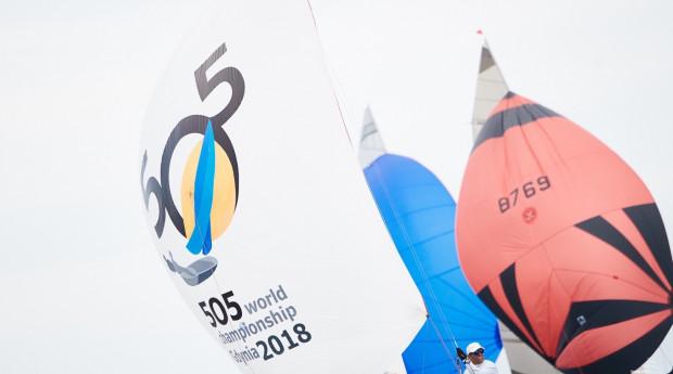 Ponad 100 jachtów i 250 żeglarzy z 14 państw wystartuje w mistrzostwach świata klasy 505 w Gdyni.