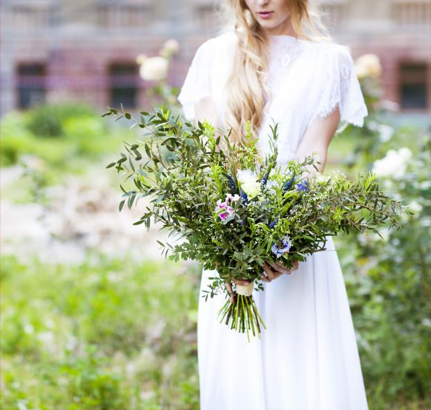 Coraz więcej panien młodych decyduje się na urocze bukiety polnych kwiatów.