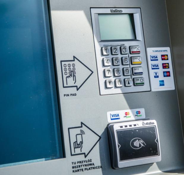 Czasem zwykłe doładowanie karty miejskiej w automacie biletowym może przerodzić się w wielodniową batalię reklamacyjną.