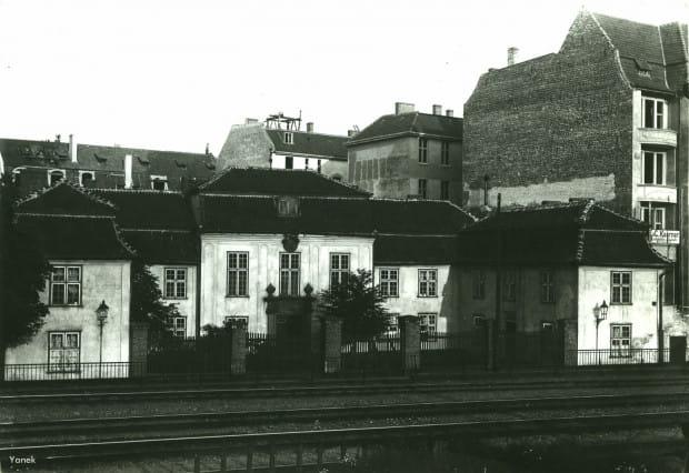 Siedziba Fundacji Rennerów na początku XX wieku. Repr. za: Fotopolska.eu/Yanek