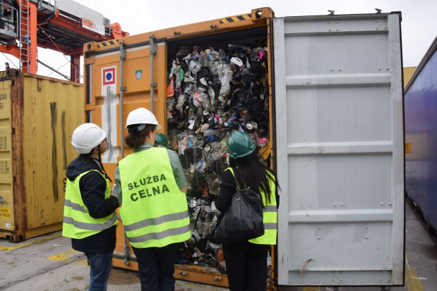 Kontrola w ramach akcji  DEMETER IV przyczyniła się do przechwycenia nielegalnych odpadów w Trójmieście.