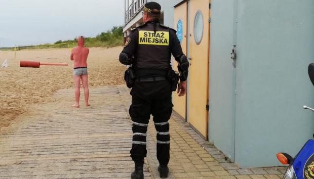 Okradziony na plaży Stogi mężczyzna.