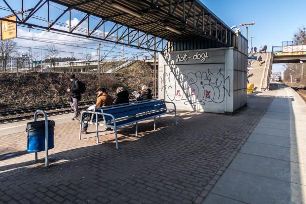 Wygląda na to, że w końcu uda się znaleźć wykonawcę remontu peronu SKM w Redłowie.