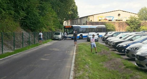 Zablokowany przejazd autobusu na pętli na Babich Dołach w ostatnią sobotę uwidoczniony na zdjęciu czytelnika.