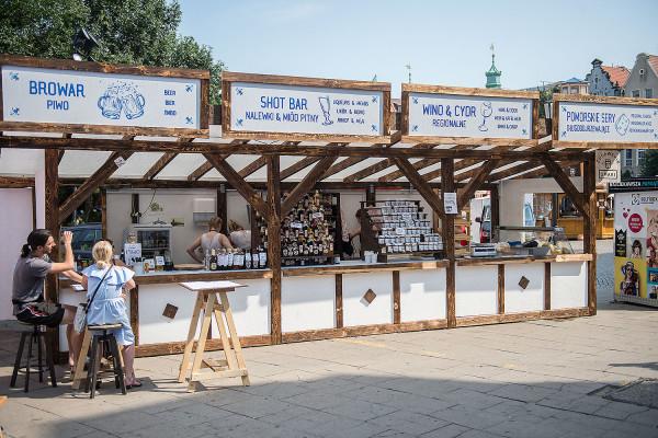 Stoisko Żuławskie Smaki, stylizowane na dom podcieniowy, otrzymało nagrodę Grand Prix Jarmarku św. Dominika 2018 w kategorii Produkt spożywczy za oryginalne produkty i ciekawą ekspozycję.