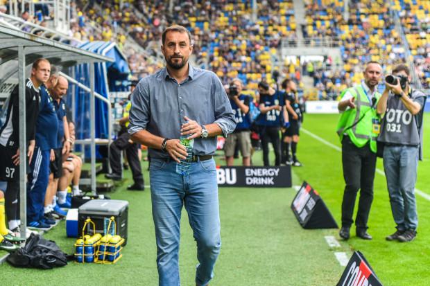 Brak dobrej gry skrzydłowych to obecnie największy problem trenera Arki Gdynia Zbigniewa Smółki.