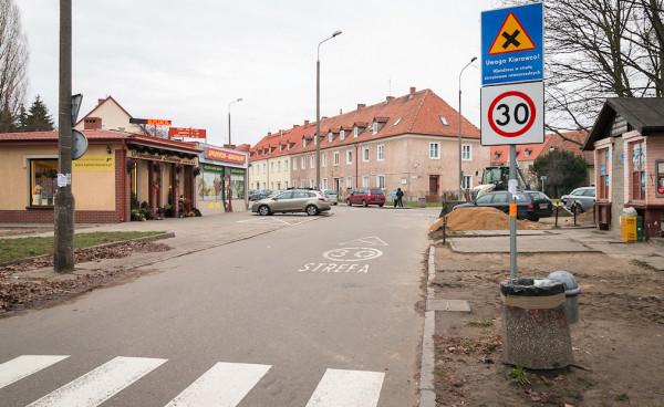 Za pięć lat strefy uspokojonego ruchu mają być wprowadzone na wszystkich ulicach lokalnych i dojazdowych - tak proponuje Paweł Adamowicz i jego komitet wyborczy.