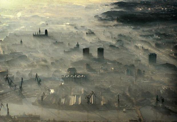 Jedno ze zdjęć lotniczych Dariusza Kuli znajdujących się w najnowszym albumie dotyczącym bazyliki Mariackiej.