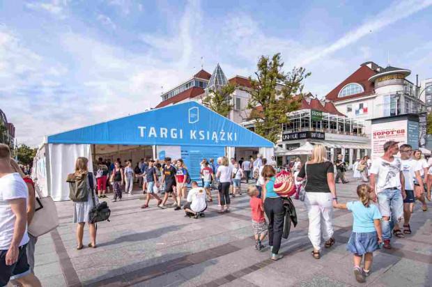 Literacki Sopot dzięki namiotowi Targów Książki jest świetnie widoczny w centrum Sopotu. Popularność imprezy rośnie z roku na rok.