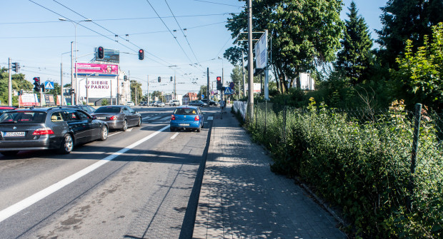 Największą ulgę rowerzystom sprawi poszerzenie odcinka pomiędzy Kościelną i Wielkopolską, gdzie obecnie jest tylko wąski chodnik.
