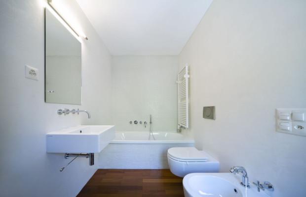 Mieszkanie z rynku wtórnego ma wyposażoną łazienkę, a także - zwykle - kuchnię. Nie wymaga więc natychmiastowego wydatku kilkudziesięciu tysięcy złotych na wykończenie.