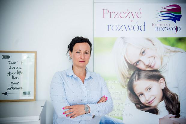 Jednak jak wisiał mój billboard przy Klifie w Gdyni, to miałam telefony i SMS-y z pretensjami, że namawiam do rozwodów. A tak nie jest. Czasami pary zjednują się u mnie podczas mediacji - mówi Lucyna Soldenhoff.