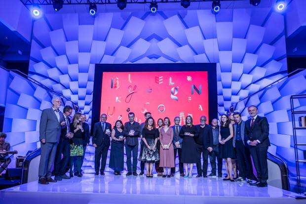 Wszyscy nominowani wraz z Kapitułą Nagrody Literackiej Gdynia.