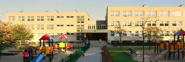 Uczniowie Zespołu Szkolno-Przedszkolnego nr 2 w Gdyni z powodu remontu mają we wrześniu więcej zajęć poza murami placówki.