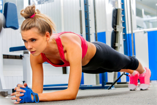Czy i jakie rękawiczki ubrać na trening do siłowni?