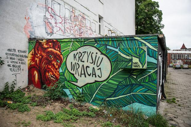 Mural autorstwa Tuse przy Wrzeszcz Pointz, ul. Bohaterów Getta Warszawskiego.