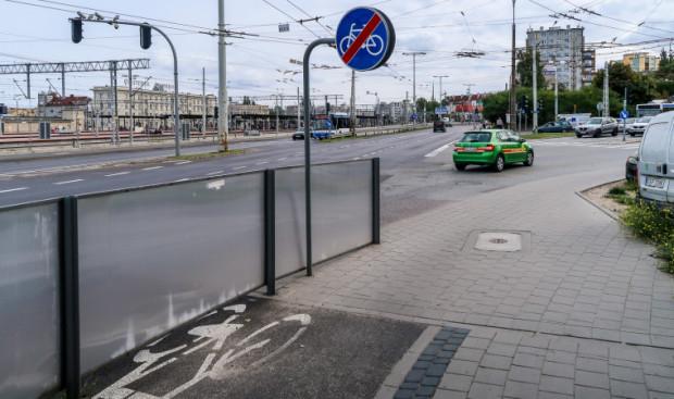 Skrzyżowanie ul. Morskiej i Warszawskiej.