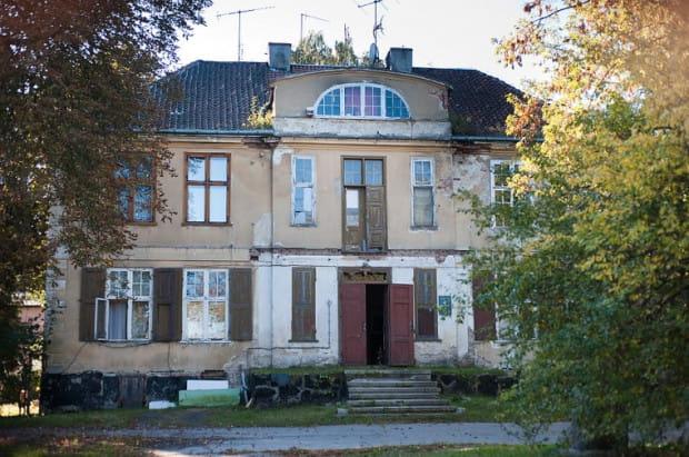 Dwór Ernsttal w Oliwie to kolejny zabytek w Gdańsku, którego dni są policzone.