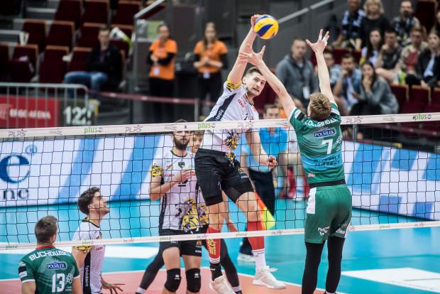 Piotr Nowakowski i jego koledzy z kadry drugi raz z rzędu zaznali smaku porażki podczas mistrzostw świata w Bułgarii i Włoszech.