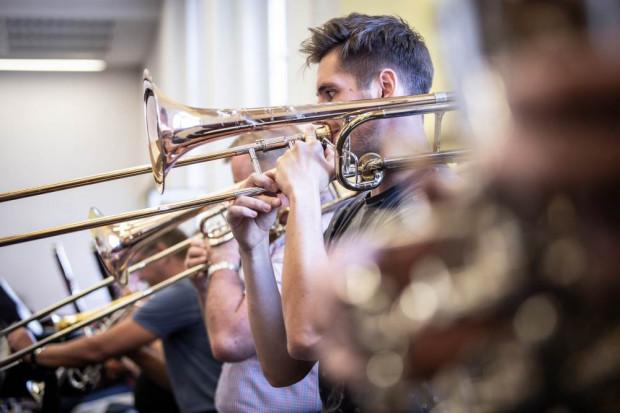 Również Orkiestra pod okiem José Maria Florêncio nie będzie narzekać na brak wyzwań.
