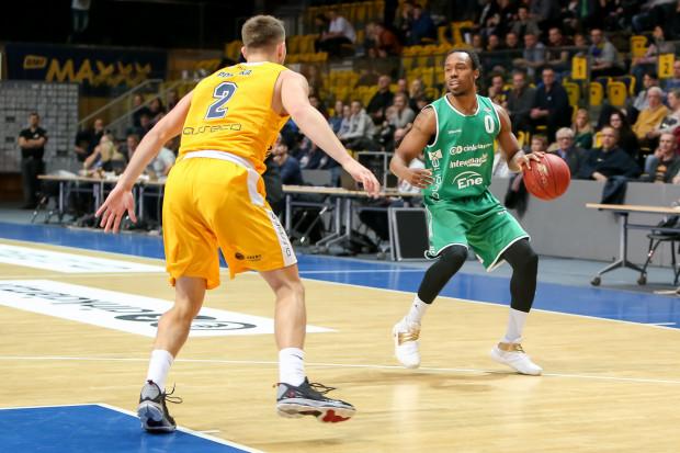 Przejście Jamesa Florence'a ze Steolmetu Zielona Góra do Arki Gdynia było dla wielu fanów koszykówki zaskoczeniem. Sam zawodnik twierdzi, że nie miał problemu z podjęciem decyzji co do nowego pracodawcy.