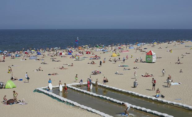 Plaża na Stogach latem cieszy się sporym zainteresowaniem.