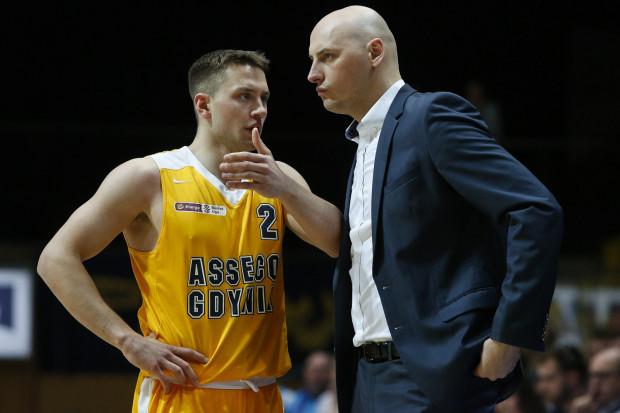 Przemysław Frasunkiewicz uważa, że pierwsze mecze sezonu, w których Arka zagra z trudnymi rywalami pokażą, w jakim miejscu znajduje się jego zespół. A w nim zobaczymy m.in. Marcela Ponitkę (nr 2).