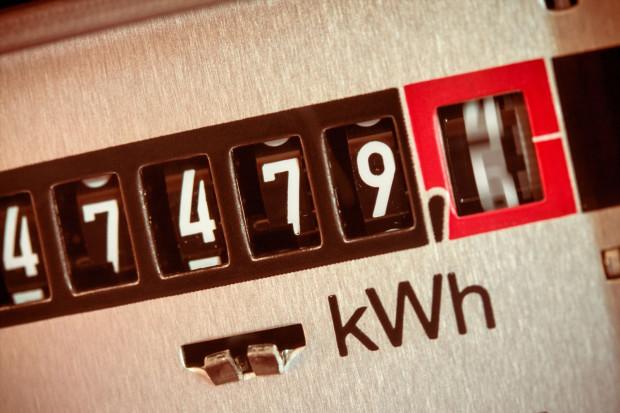 Jak twierdzą przedsiębiorcy, koszt podwyżek cen prądu przenoszony jest na małe i średnie przedsiębiorstwa, które nie potrafią obronić się przed takimi działaniami koncernów energetycznych.