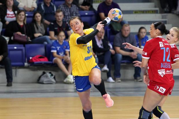 Z pewnością nie na taki powrót do gry w gdyńskich barwach liczyła Katarzyna Kołodziejska (na zdjęciu z piłką). Arka dostała solidne lanie w Szczecinie, pomimo jej czterech bramek.