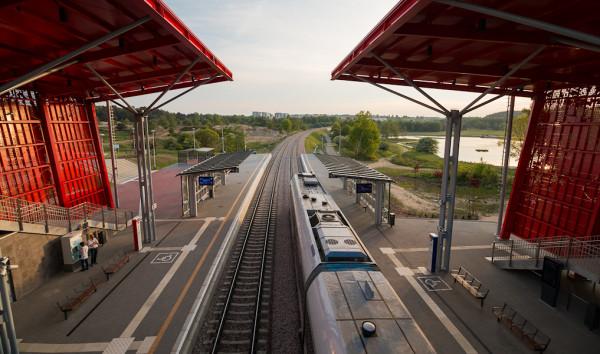 Opóźnienia na linii 155 uniemożliwiają przesiadkę na pociągi na trasie PKM.