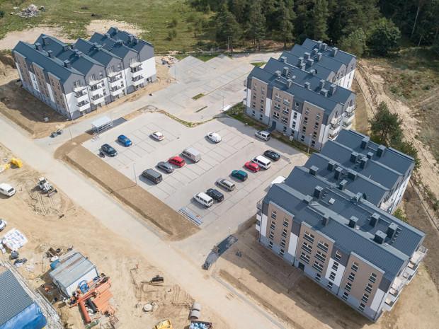 Kacze Buki, ul. Puszczyka. Pierwsze rodziny do budynków powstałych w ramach programu Mieszkanie Plus wprowadzą się w styczniu.