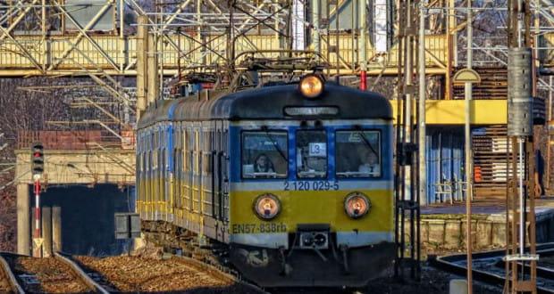 Najstarszy pociąg na trójmiejskich torach EN57 838.
