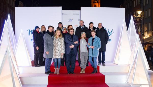 Ubiegłoroczna promocja filmu na Długim Targu. Na scenie aktorzy filmu, reżyser Michał Kwieciński oraz prezydent Gdańska Paweł Adamowicz.