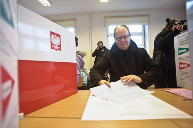 Wybory w 2010 r. były łatwe dla Pawła Adamowicza. Wygrał je gładko w pierwszej turze.