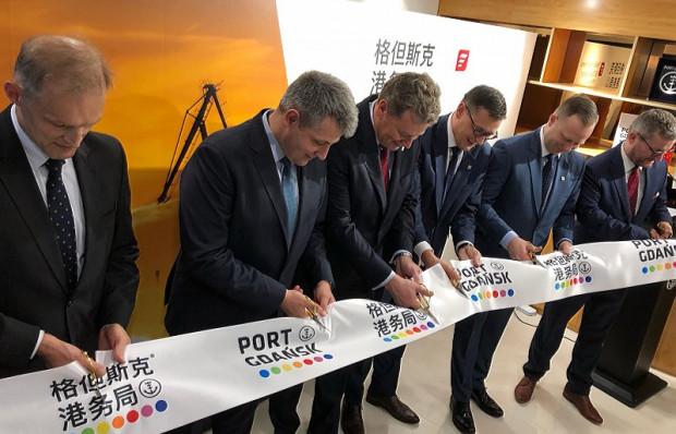 Zadaniem Biura Portu Gdańsk jest wzmacnianie już istniejącego partnerstwaz chińskimifirmami, pozyskiwanie nowych klientów oraz koordynacja wzajemnej współpracy, takżew sferzeinwestycji.