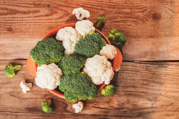 Nie każdy wie, że na surowo można jeść też brokuły, kalafior i brukselkę.