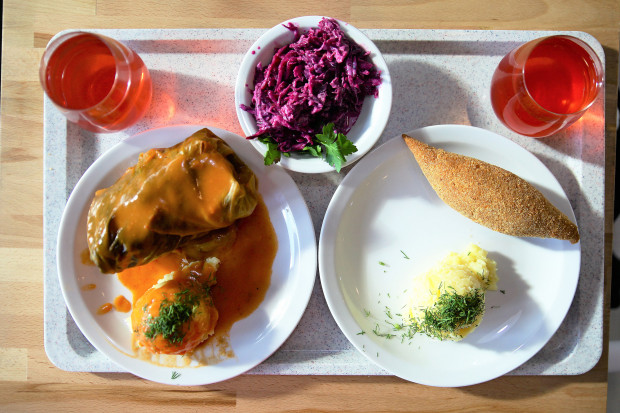 W Po Prostu zjemy typowe dla barów szybkiej obsługi domowe jedzenie.