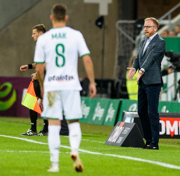 Piotr Stokowiec zamierza postawić w Rzeszowie głównie na piłkarzy, którzy nie znaleźli się w podstawowym składzie w Poznaniu jak na przykład Michał Mak, ale zapewnia, że nie jest to przejaw lekceważenia II-ligowca.