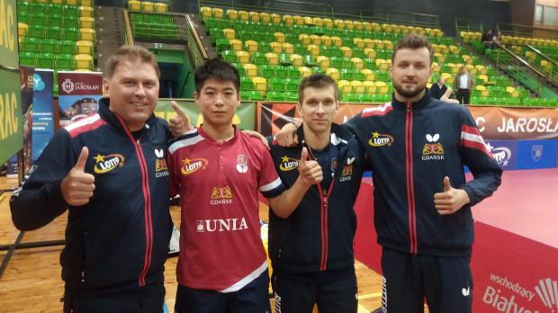 Niepokonana drużyna Unii AZS AWFiS Gdańsk. Od prawej: Patryk Chojnowski, Michaił Paikow, Wei Shihao oraz trener Piotr Szafranek.