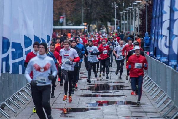 Po raz kolejny biegacze uczczą Święto Niepodległości biegiem.