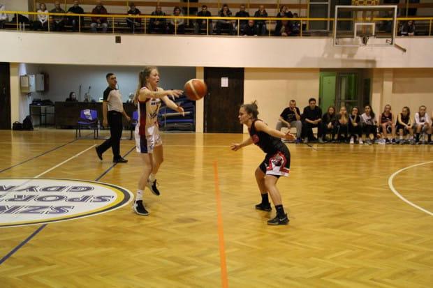Magdalena Szymkiewicz podczas meczu I ligi.
