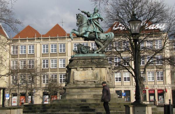 Pomnik Sobieskiego pierwotnie znajdował się we Lwowie. Do Gdańska trafił w 1965 r.