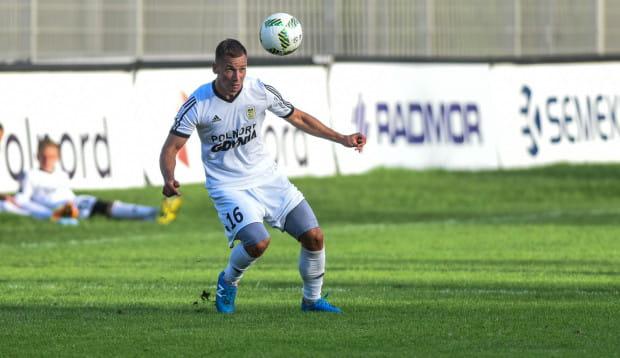 Robert Sulewski pokazał się trenerowi Zbigniewowi Smółce w meczu rezerw strzelając dwa gole i mając sporty udział przy dwóch kolejnych trafieniach.