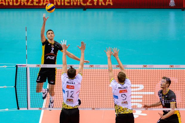 W dwóch meczach Trefla ze Skrą siatkarzem, który robił różnice był atakujący mistrzów Polski Mariusz Wlazły (nr 2).