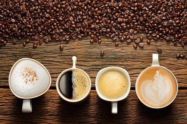 Wg wytycznych Instytutu Żywności i Żywienia dziennie możemy wypić od dwóch do czterech filiżanek kawy dziennie, jednak ilość powinna być uzależniona głównie od tego, jaką dawkę dobrze tolerujemy.