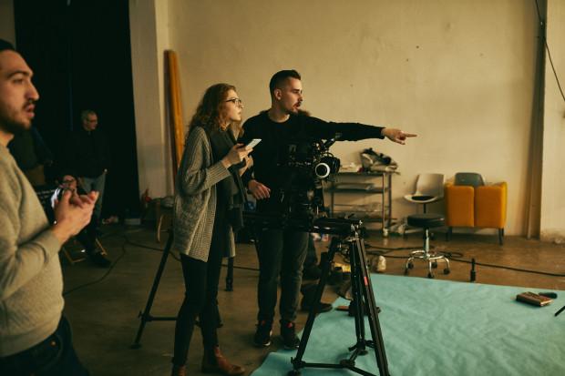 Reżyserem nagrodzonego w Nowym Jorku filmu jest Adrian Chudek, reżyser urodzony w Gdyni, który podczas prac nad filmami reklamowymi chętnie wraca do Trójmiasta i okolicznych plenerów.