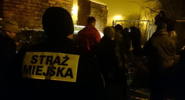 Straż Miejska w Gdańsku podejmuje nie tylko postępowania mandatowe. Ich działalność obejmuje m.in. dbanie o bezpieczeństwo osób bezdomnych zimą.