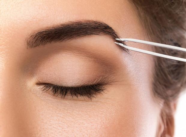 Najczęstszy problem to nadmierne wyrywanie brwi, wycinanie lub, o zgrozo, golenie ich.